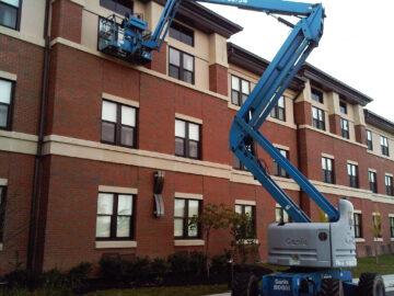 New Jersey Window Washing Using a Manlift